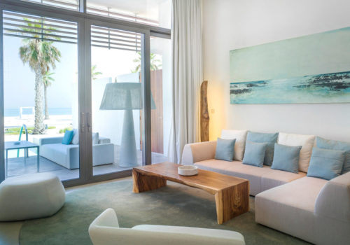 10-capsule-arts-projects-nikki-beach-room-painting-02